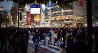 """Las políticas """"antisuicidio"""" y """"antisoledad"""" del gobierno japonés a debate: la tasa de suicidio sube en Japón por primera vez en más de una década"""